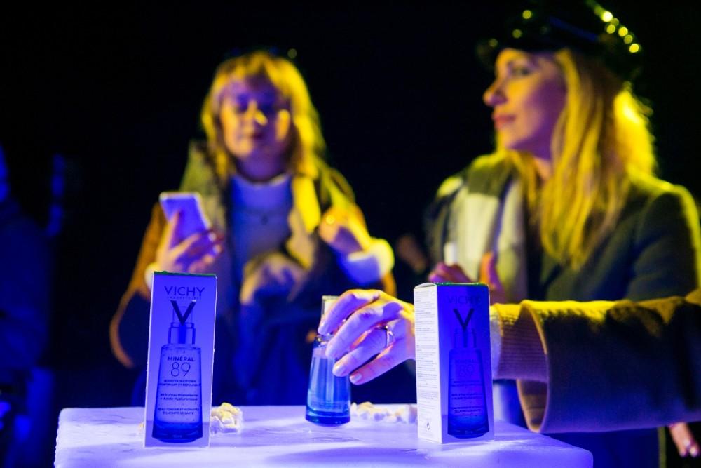 Vichy_Postojnska jama_Slovenija_predstavljanje inovacije Mineral 89__Anastasija Stasha i Ana Vukosavljevic testiraju proizvod