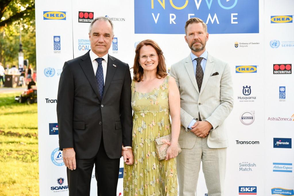 Ambasador Jan Lundin, Milica Lundin i zamenik ambasadora Joakim Vern FOTO Z. Petrovic