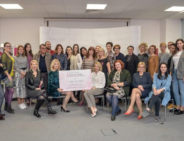 Donacija kompanije Avon za projekat Tu smo za vas za podrsku obolelim zenama od raka dojke Zlatiborskog okruga (2)